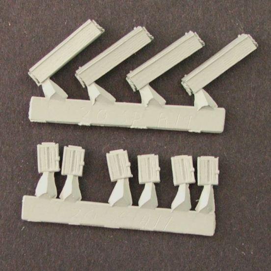 Machine gun box's 303 ammunition 6 small, 4 large boxs