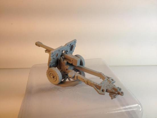 2 x 25 pounder gun/howitzers