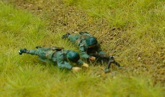 2 x  Chasseur Ardennes riflemen with separate Browning