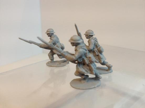 3 Infantryman in charge/attacking with bayonets fixed