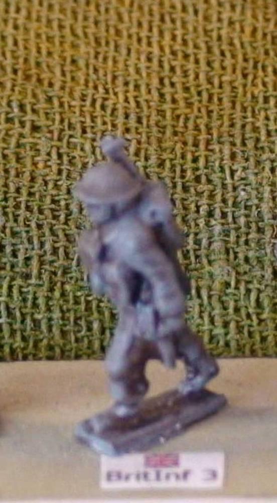 1 x Infantryman advancing with rifle slung