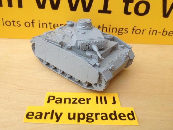 Panzer III J Early Uparmoured with L42 gun. Come with crewman,