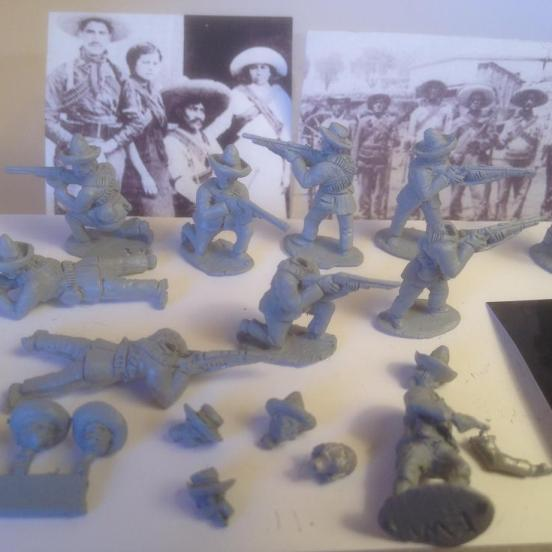 10 Mexican revolutionary figures in Firing poses. Multi-pose fig