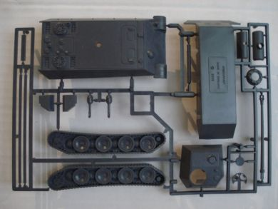 Panther ausf G 2 models in a box