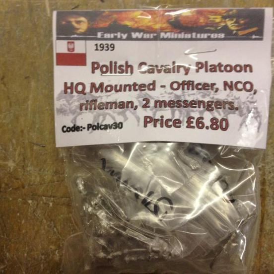 Polish Cavalry Platoon HQ Mounted - Officer, NCO, rifleman + 2