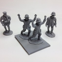 5 various German walking wounded and surrendered infantry,
