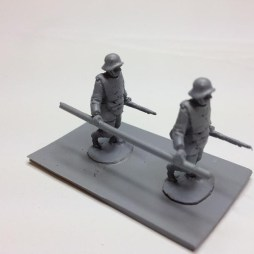 2 Stormtroopers in InfantriePanzer with bangalore torpedos
