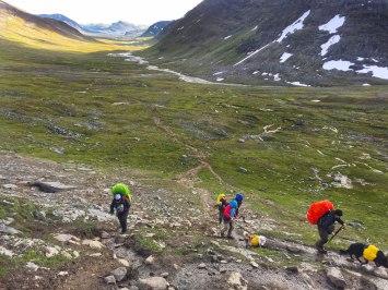 fjaellraeven-classic-tjaektapass-uphill