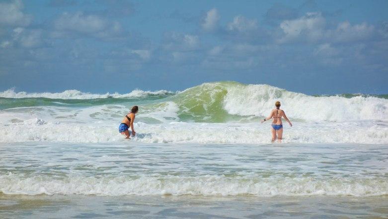 lacanau-beach-waves1