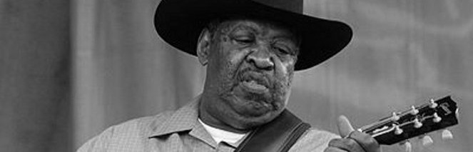 "Chicago bluesman Morris Holt, aka ""Magic Slim"", dies at 75"