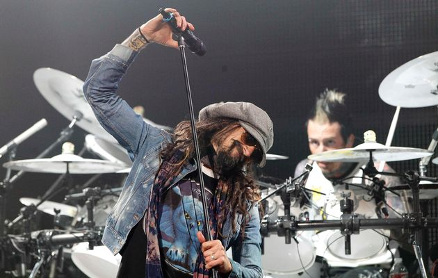 Rob Zombie and Alice Cooper offer tale of two merch tables in Vancouver