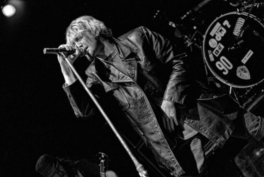 "Layne Staley says ""No booze for yooz"" as Alice in Chains goes all-ages in Vancouver"