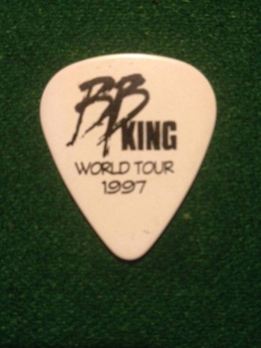 Big-hearted blues god B.B. King offers guitar picks and hugs backstage in Vancouver