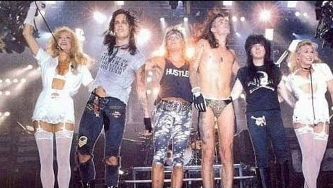 Mötley Crüe spring up like leather-clad trap-door spiders to wow Vancouver on the Dr. Feelgood tour