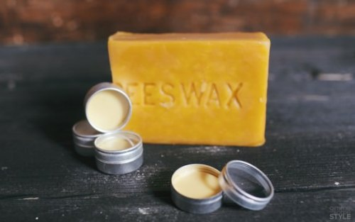 DIY beeswax and rosewater lip balm