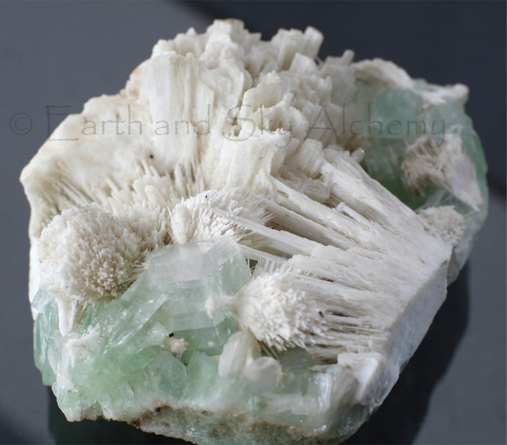 Scolecite with apophyllite crystal cluster