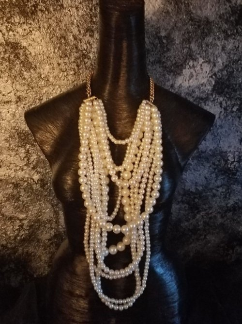 vintage-pearl-necklace