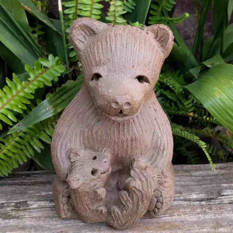 mama_bear_two_cubs_greenspace_14
