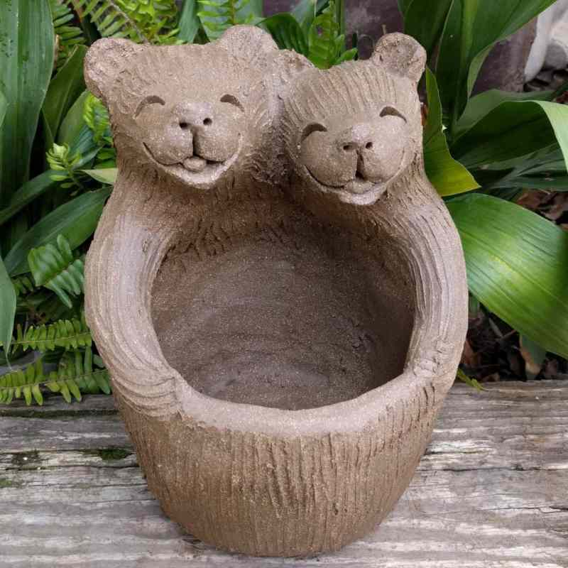 bear_lover_planter_outside_1