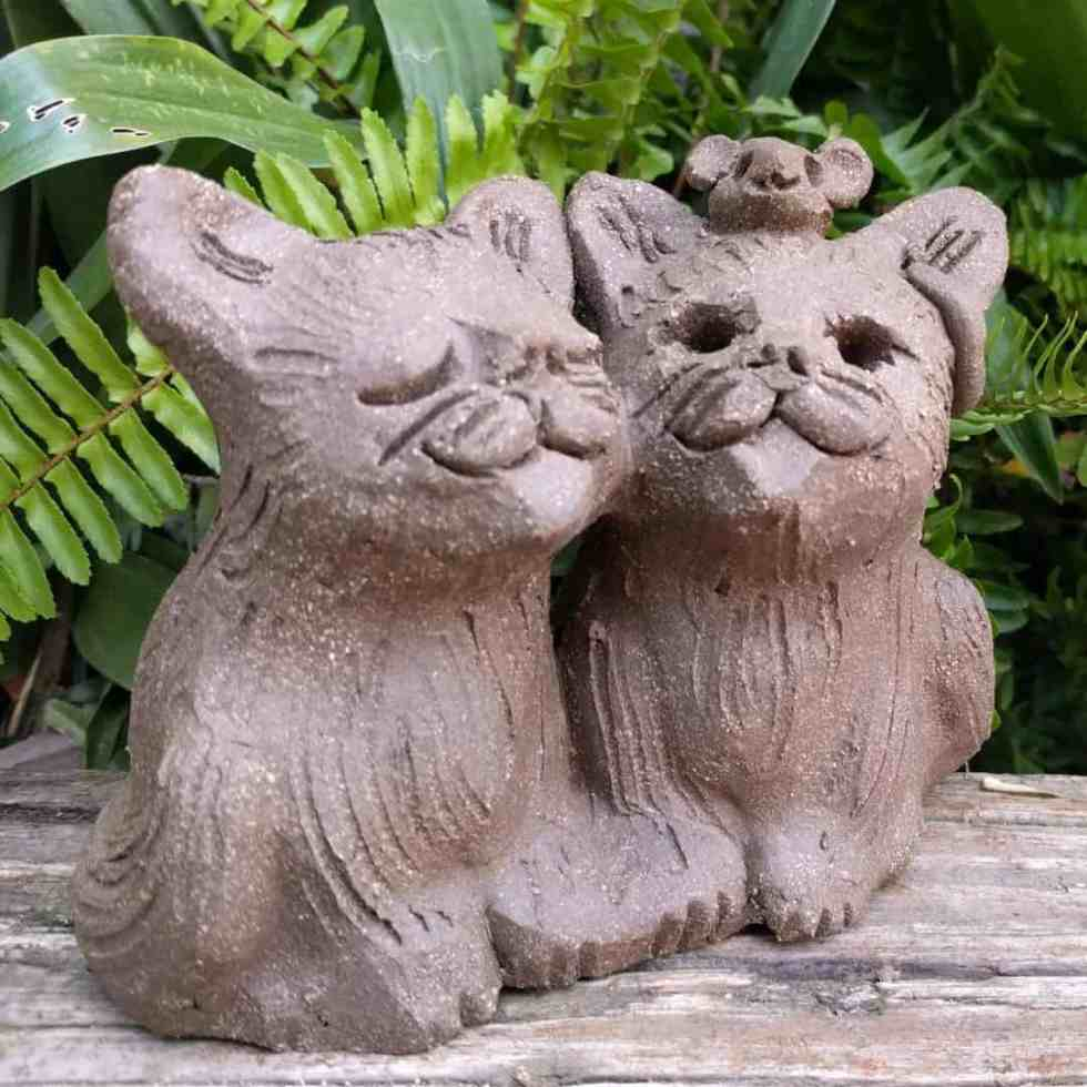 cat_pair_mouse_head_outside_12