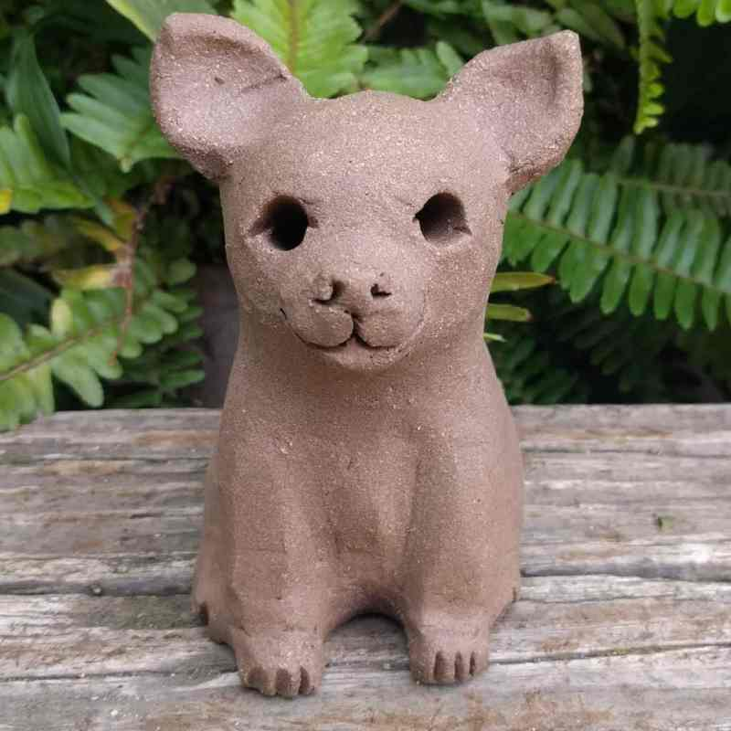 chihuahua-sitting-small-garden-sculpture-margaret-hudson-earth-arts-1024-01