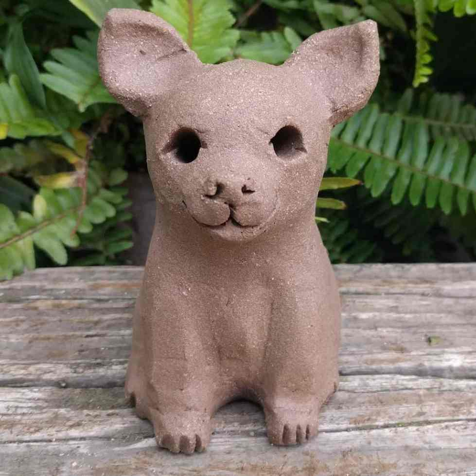 chihuahua-sitting-small-garden-sculpture-margaret-hudson-earth-arts-1024-01