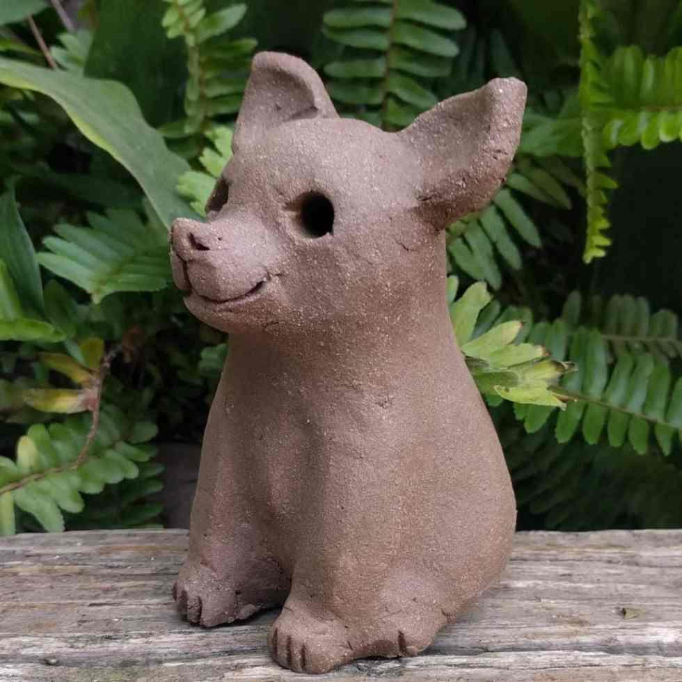 chihuahua-sitting-small-garden-sculpture-margaret-hudson-earth-arts-1024-11