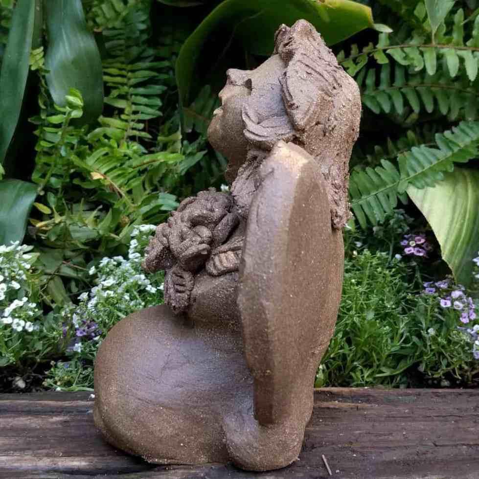 angel_girl_kneeling_flowers_small_green_1024_14