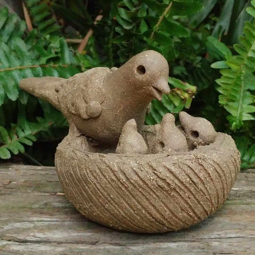 ceramic-mama-bird-feeding-chicks-in-nest-outdoor-figurine-by-margaret-hudson-earth-arts-studio-10