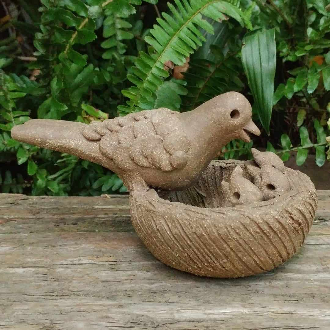 ceramic-mama-bird-feeding-chicks-in-nest-outdoor-figurine-by-margaret-hudson-earth-arts-studio-14