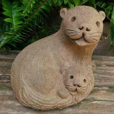 clay-mama-otter-curled-with-baby-outdoor-figurine-by-margaret-hudson-earth-arts-studio-15