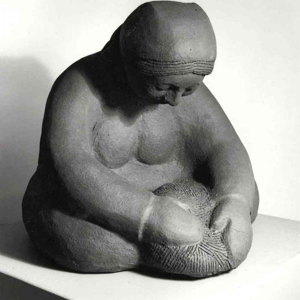 guatemalan-woman-making-bread-angle-2-2-margaret-hudson-scultpure