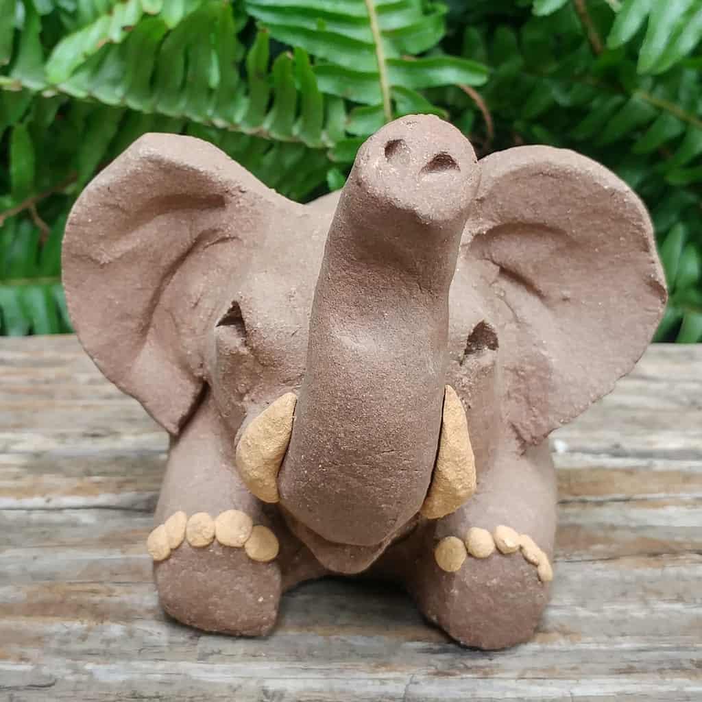 ceramic-elephant-card-stand-1024px-garden-figurine-by-margaret-hudson-earth-arts-studio-7