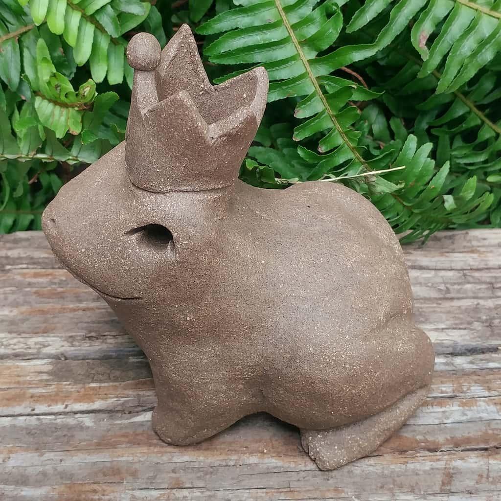 ceramic-frog-prince-1024px-garden-sculpture-by-margaret-hudson-earth-arts-studio-14
