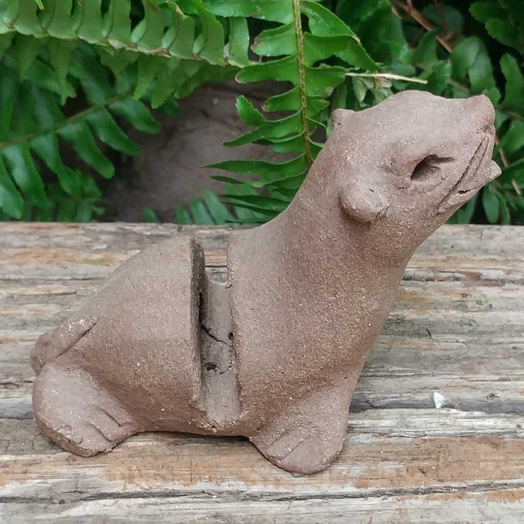 ceramic-seal-card-holder-1024px-garden-figurine-by-margaret-hudson-earth-arts-studio-2