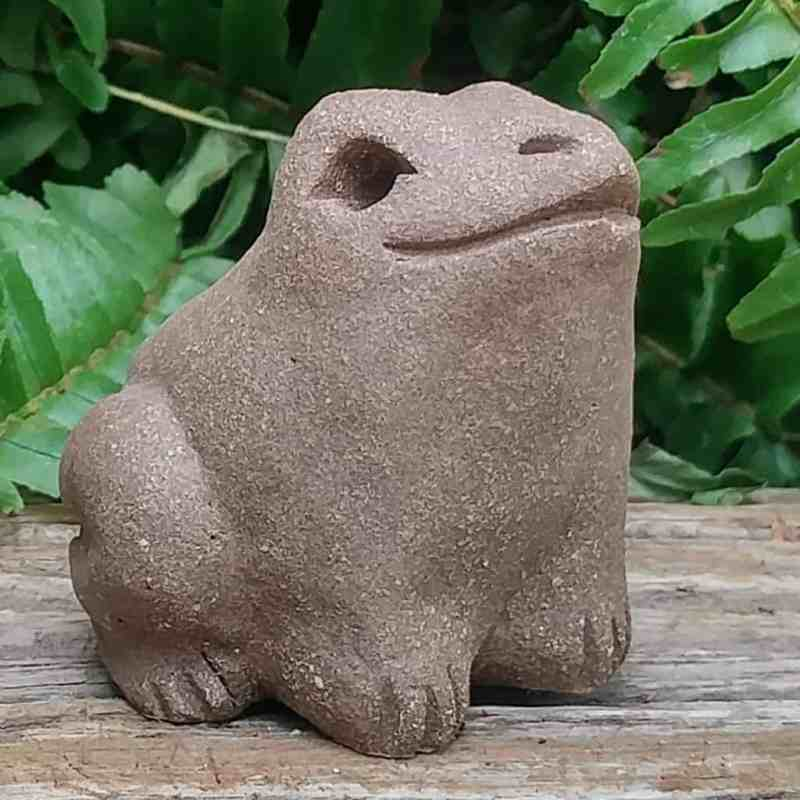 ceramic-small-frog-1024-outdoor-sculpture-by-margaret-hudson-earth-arts-studio-2