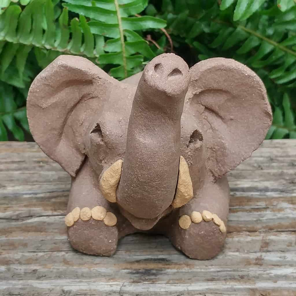 clay-elephant-card-stand-1024px-outdoor-sculpture-by-margaret-hudson-earth-arts-studio-6