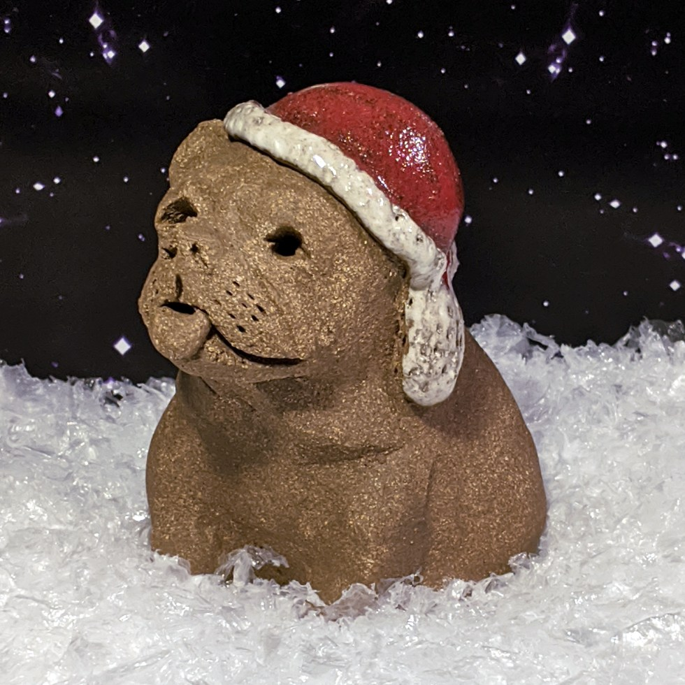 santa-hat-bulldog-margaret-hudson-sculpture-6