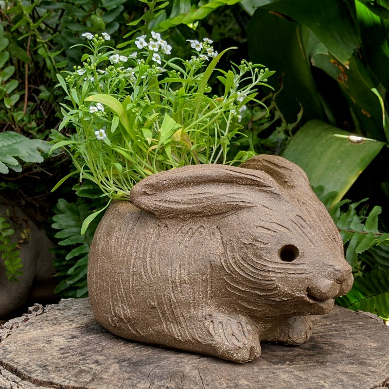 hunched-rabbit-planter-small-4
