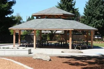 Workout at the Park: shelter at schiffler