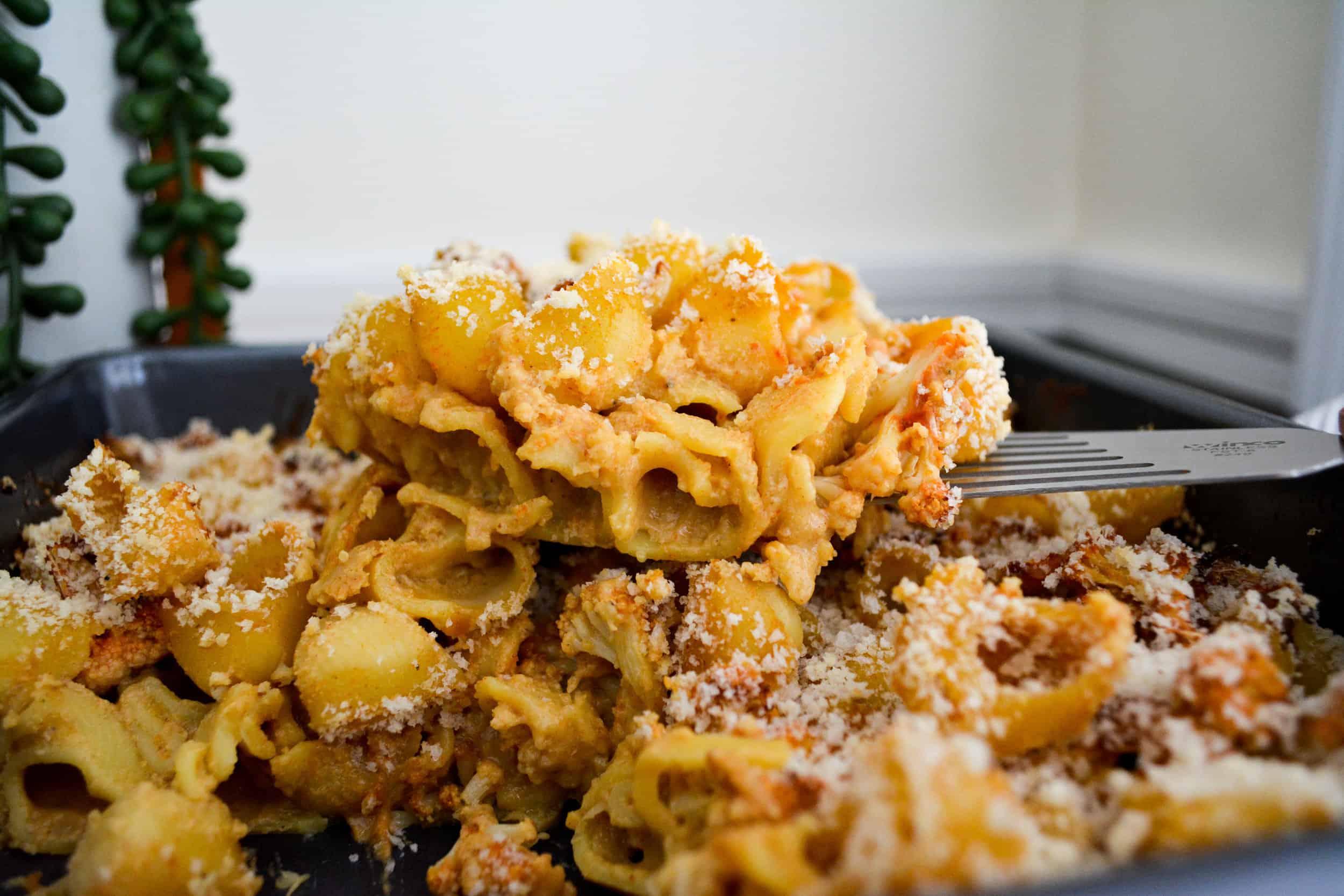 Baked Buffalo Cauliflower Mac