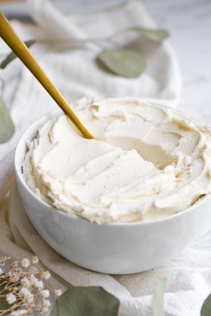 Vegan Vanilla Frosting in a bowl