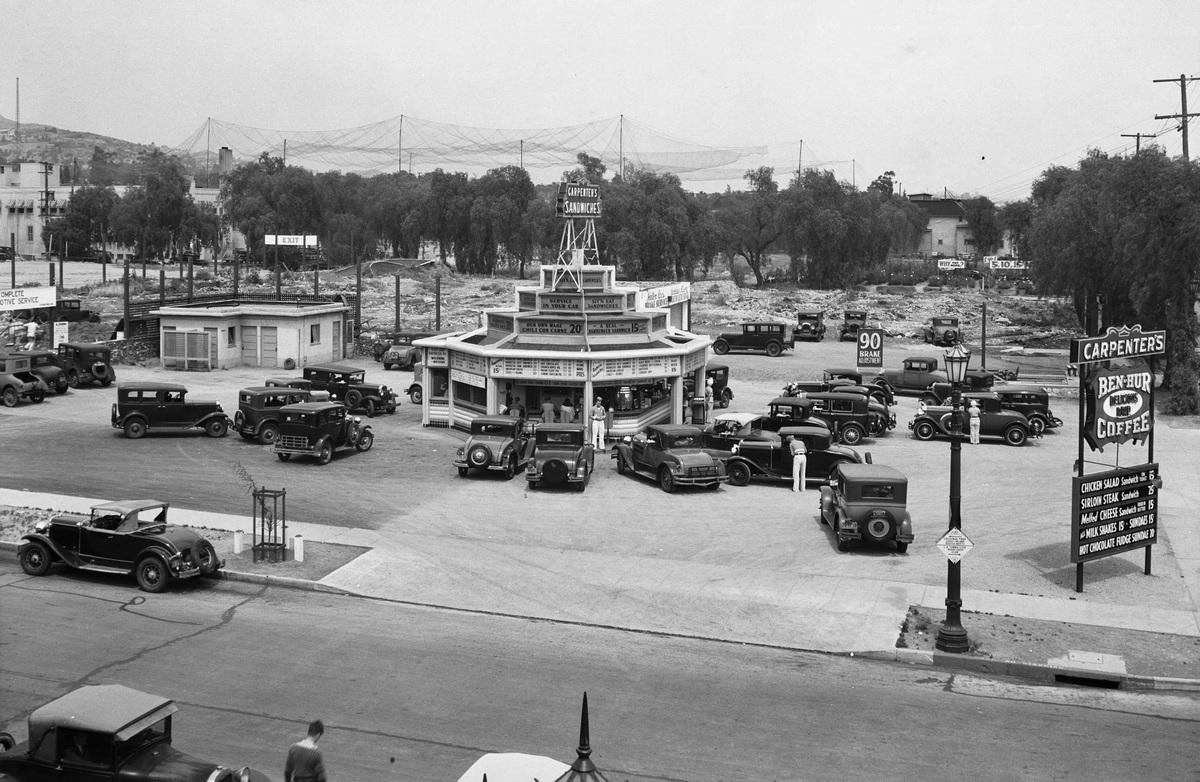 Drive-In restaurant on West                                       Sunset Boulevarde, Los                                       Angelesben,1932