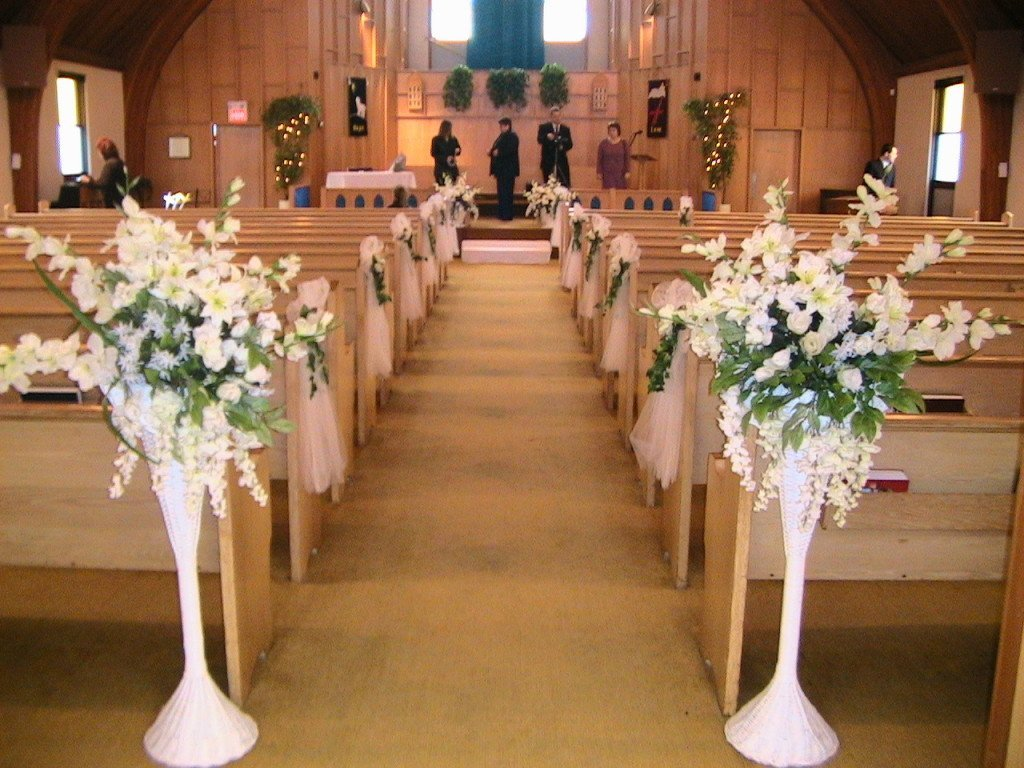 Getting It Right With Church Wedding Decorations
