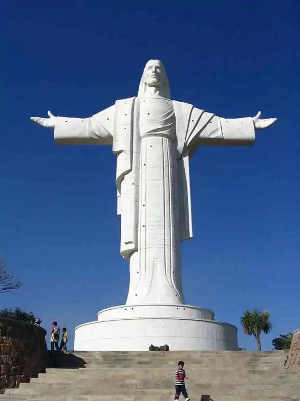 Cristo de la Concordia, Bolivia