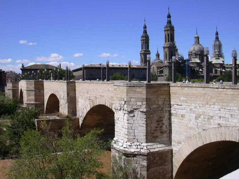 Puente de Piedra, Spain