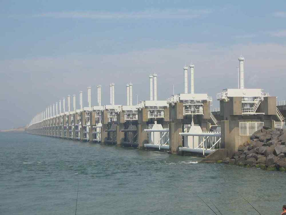 Delta Works flood hindrance and the Oosterscheldekering