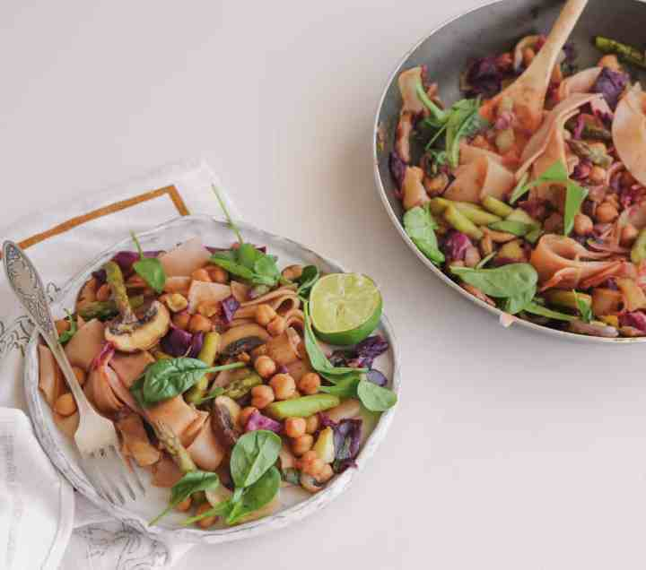 Vegan And Gluten-free Chickpea Stir-fry With Summer Vegetables - Easy Plantbased Recipe
