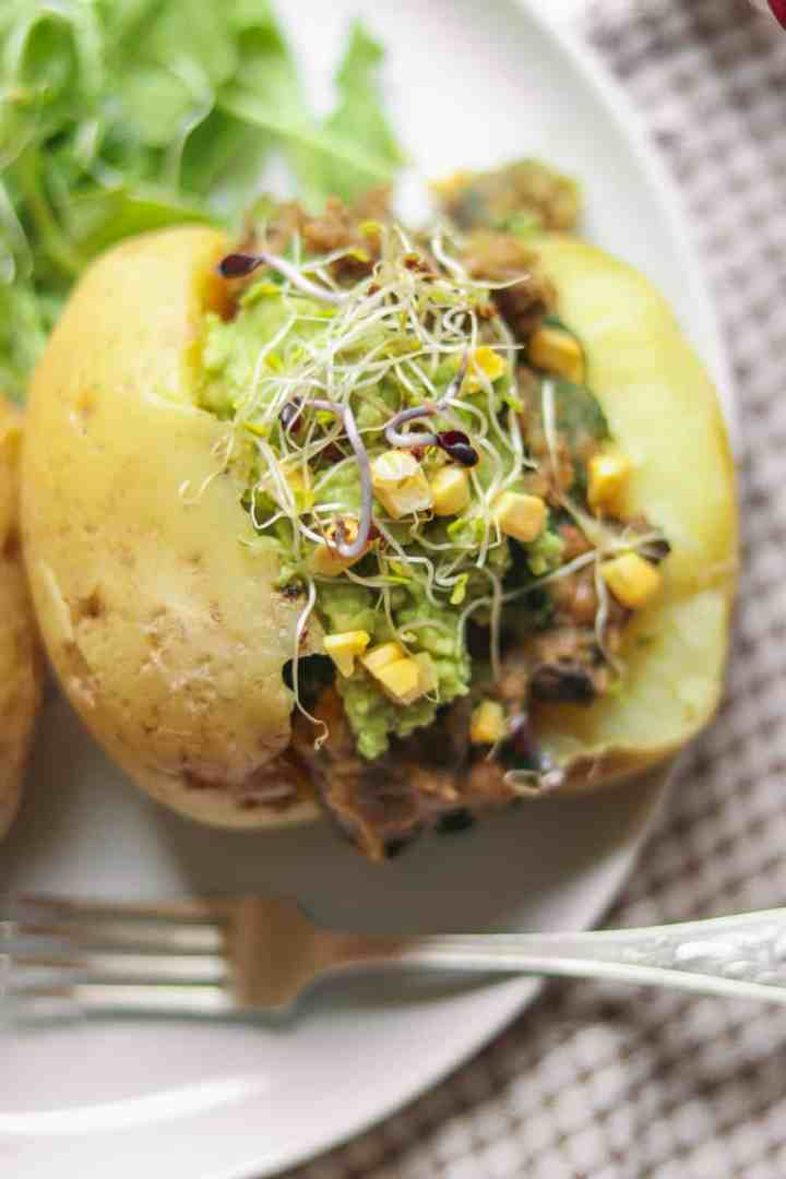 Vegan simple jacket potatoes with a one-pot lentil filling and avocado