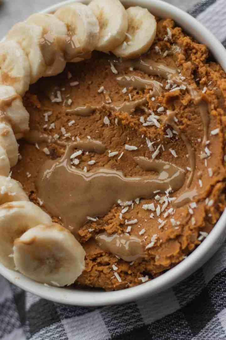 Vegan gluten-free pumpkin hummus with tahini